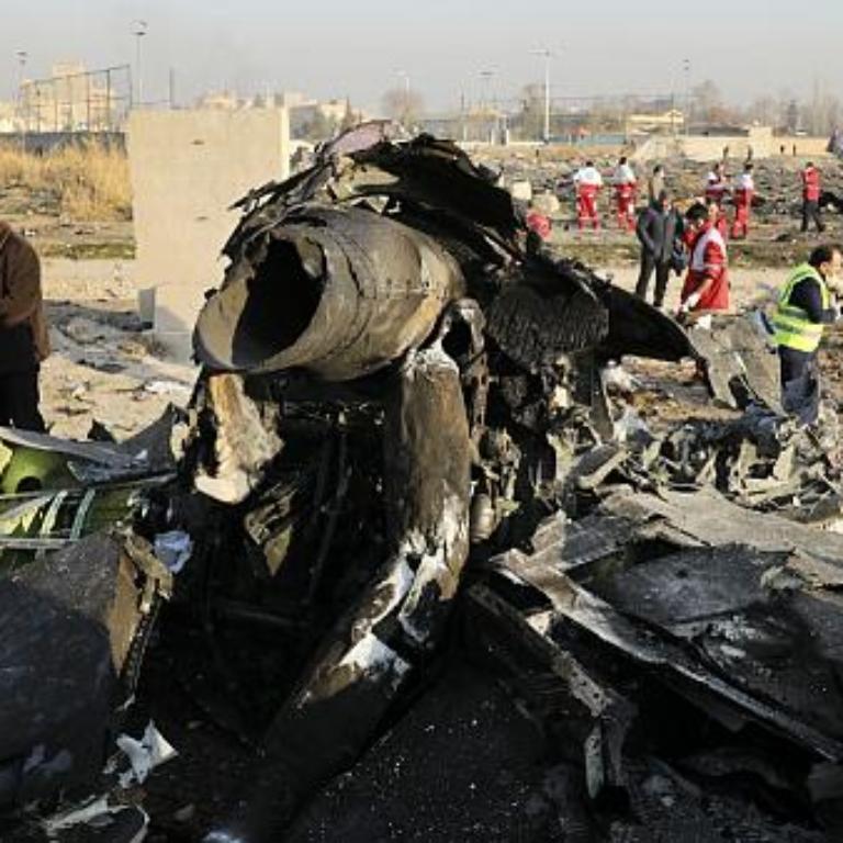 مسئولان سقوط پرواز شماره ۷۵۲-PS باید استعفا دهند و محاکمه شوند