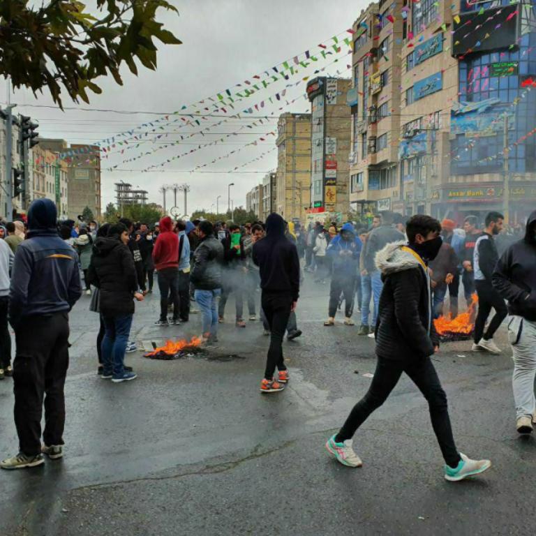 کودکان بازداشت شده در اعتراضات را فورا و بدون شرط آزاد کنید