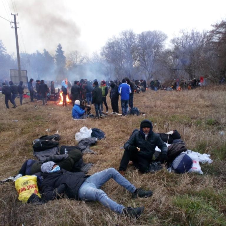 به وضعیت پناهجویان لب مرز ترکیه و یونان رسیدگی کن!