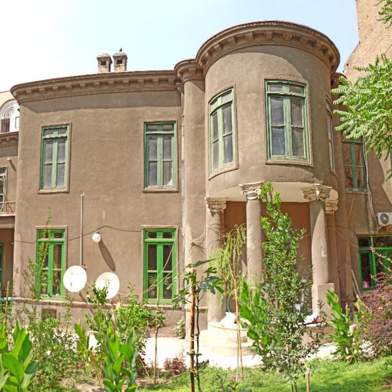 عمارت تاریخی «امیراقتدار» را تخریب نکنید