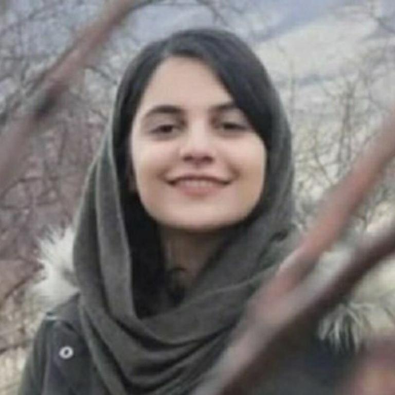 فروغ تقیپور زندانی سیاسی جوان در زندان قرچک