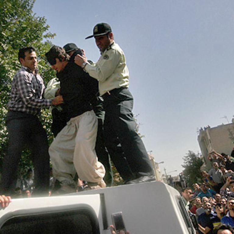 نمایش خشونت و تحقیر در خیابان را متوقف کنید!