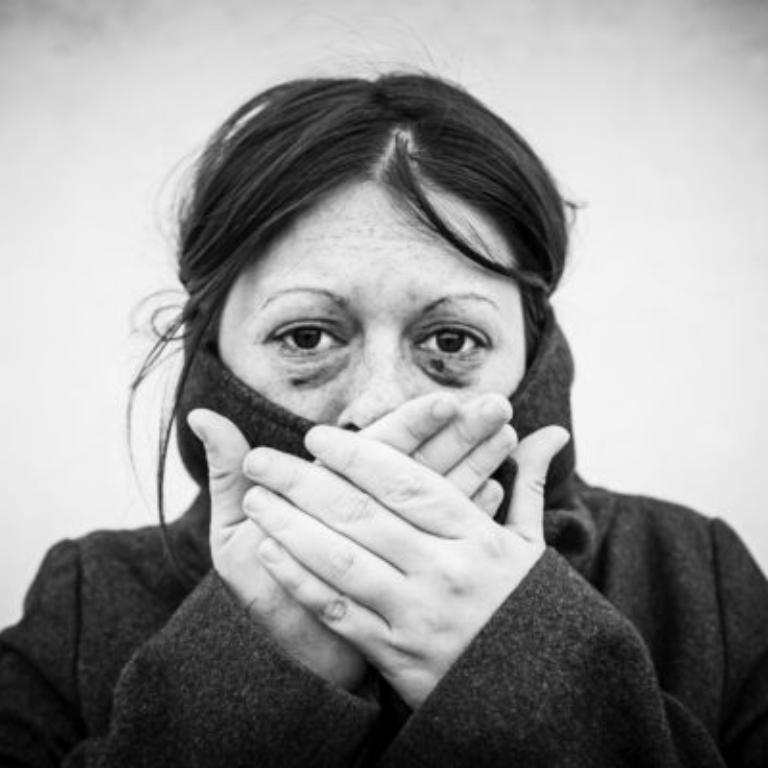 فرار از خشونت خانگی