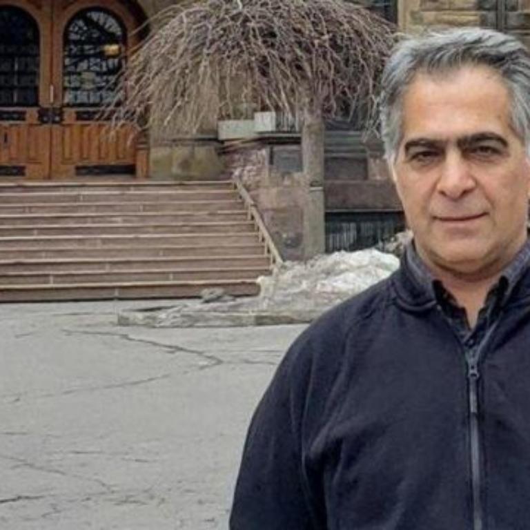 حکم هفت سال زندان برای دکتر رضا اسلامی ناعادلانه است